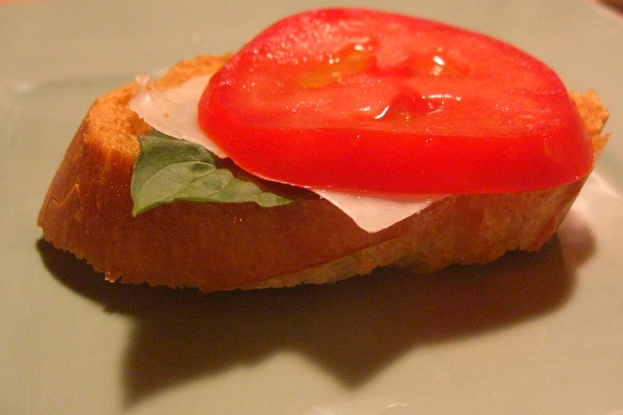 Bruschetta with bseil tomato and cheese
