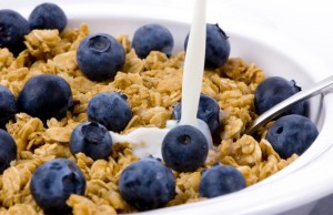 bowl of cereal and blueberries