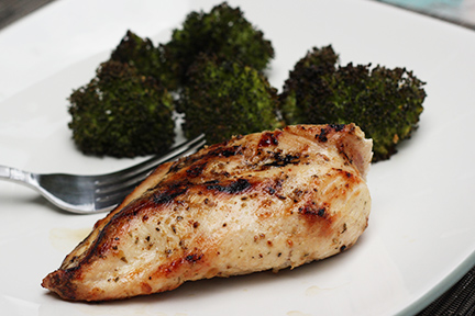 Grilled-Chicken-Breast-with-Roasted-Broccoli-sm