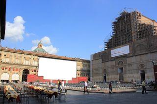 ItalyBologna13.1-PiazzaMaggiore-RagingBull